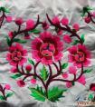 反映现实生活中的自然生物的羌族刺绣